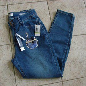 Angels Curvy Skinny High Waist Straight Jeans NWT